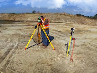 Комплексный автоматизированный маркшейдерско геодезический мониторинг деформационных процессов во время производства строительных работ